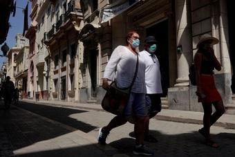 """Tự chủ """"vũ khí"""" vắc xin Covid-19, Cuba bắt đầu mở cửa lại kinh tế"""