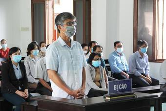 Lộ đề thi tuyển công chức, 17 cựu cán bộ sở ngành tỉnh Phú Yên ra tòa