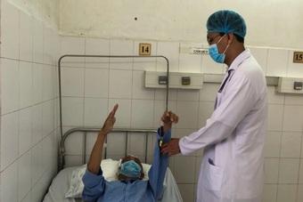Bác sĩ phẫu thuật xuyên đêm cứu sống bệnh nhân u màng não nặng