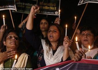 Ấn Độ: Thiếu nữ 15 tuổi tố bị 33 gã đàn ông cưỡng hiếp trong 8 tháng
