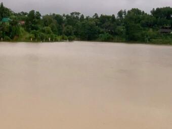 Hà Tĩnh: Mưa lớn kéo dài khiến nhiều thôn, xã bị cô lập