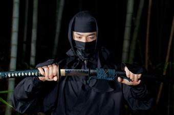 """Ninja """"hàng xịn"""" chiêu mộ học viên sau 400 năm, CĐM đua nhau đòi học"""