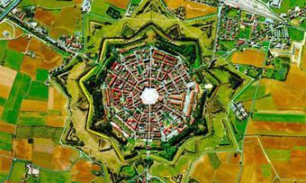 Thị trấn Palmanova - Trận đồ bát quái ở Italia