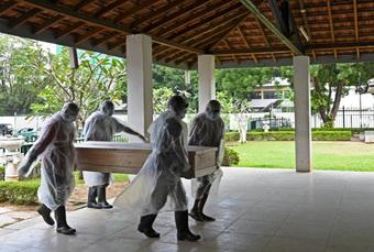 Pháp sư Sri Lanka tử vong vì SARS-CoV-2 sau khi dùng 'nước thánh' để đuổi COVID-19