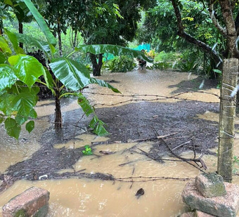 Lũ dâng cao gây ngập lụt, chia cắt ở nhiều huyện miền núi Nghệ An
