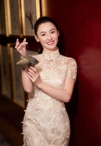 Trương Bá Chi đẹp ngỡ ngàng tuổi 41, Tạ Đình Phong có tiếc?