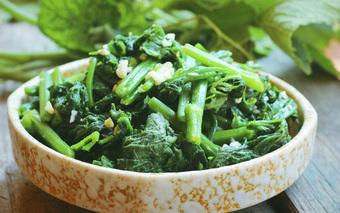 Mẹo hay để có món rau bí xanh mướt, giòn ngon