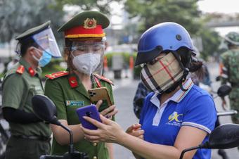 Sáng 25/9: F0 mới phát hiện ở Hà Nội đã tử vong trong tư thế treo cổ; tín hiệu vui từ TP.HCM khi số ca tử vong do COVID-19 thấp nhất trong tháng