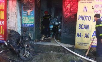 Hà Nội kịp thời cứu thoát 5 người mắc kẹt trong đám cháy lúc rạng sáng
