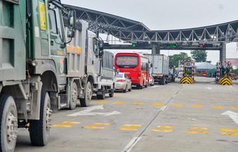 Công điện khẩn xử lý ùn tắc giao thông tại các chốt kiểm dịch