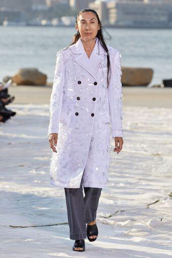 Nhà thiết kế gốc Việt lừng danh thế giới ra mắt thiết kế mới tại Tuần thời trang New York