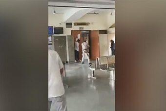 Ấn Độ rúng động vụ ám sát trùm xã hội đen giữa phòng xử án