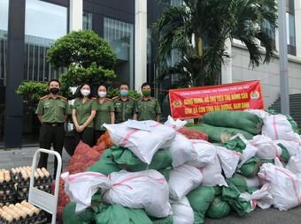 Lực lượng Công an hỗ trợ tiêu thụ nông sản cho nhân dân 2 tỉnh Hải Dương - Nam Định