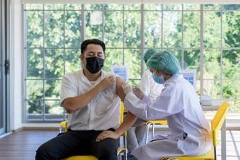 Chia sẻ của bác sĩ về phản ứng sau tiêm vắc xin ngừa Covid-19 mũi 2