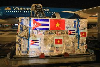 Hơn một triệu liều vắc xin từ Cuba đã về đến Việt Nam