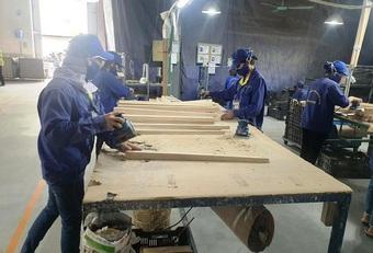 Làng nghề truyền thống khôi phục sản xuất trong tình hình mới