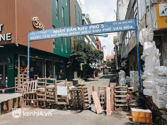 Cận cảnh những chốt chặn bít bùng bằng tôn thép, dây lưới ở Sài Gòn dự kiến sẽ được tháo gỡ trước 30/9