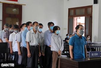 Phó Giám đốc Sở Nội vụ cùng 17 người lĩnh án tù vì bê bối thi công chức