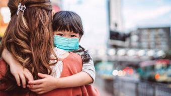 Trẻ em chỉ mắc COVID-19 thoáng qua, liệu có miễn dịch không?