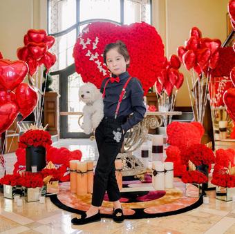 """Thiếu gia 8 tuổi của nữ tỷ phú người Việt đón sinh nhật xa hoa trong """"lâu đài"""" 800 tỷ"""
