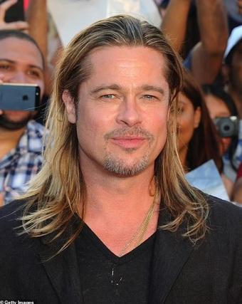 Tài tử Brad Pitt lại gây sốt với phong cách đẹp trai cổ điển