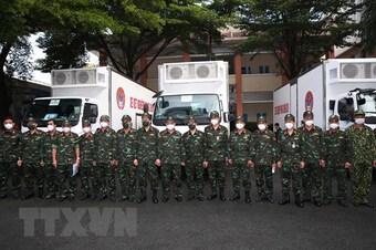 Bộ Quốc phòng điều 3 xe xét nghiệm PCR hỗ trợ tỉnh Tây Ninh chống dịch