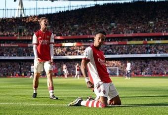 """""""Arsenal ghi 3 bàn chỉ sau vỏn vẹn 4 cú sút trúng đích"""""""