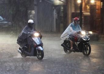 Mưa lớn ở Bắc Bộ, Bắc Trung Bộ, có nơi mưa rất to trên 100mm