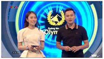 """Lần đầu debut làm MC Olympia, Khánh Vy phụ hoạ rất """"Hip-hop"""", trút được căng thẳng khi thí sinh rap Người Lạ Ơi"""