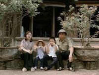 """Bộ ảnh """"kem mút"""" đưa gia đình 8x trở về tuổi thơ"""