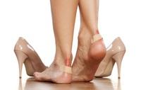 Tuyệt chiêu đi giày mới không bị trầy da, phồng chân