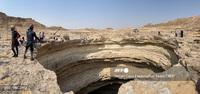 Lần đầu tiên có đoàn thám hiểm chạm tới đáy ''''giếng địa ngục'''' triệu năm tuổi ở Yemen