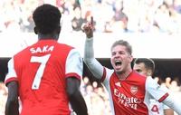 Bắn hạ Tottenham, Saka lên tiếng về Rowe