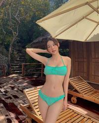 Phí Phương Anh diện bikini khoe da thịt căng đét, ai dè nhận ngay hàng loạt chỉ trích vô lý từ netizen