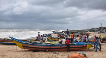 Ấn Độ: Hàng chục nghìn người sơ tán tránh lốc xoáy Gulab