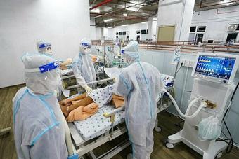 Thứ trưởng Bộ Y tế: Bệnh viện Trung ương sẽ rút từ từ khi TPHCM mở cửa