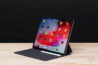 """Surface Pro X - câu trả lời """"ngọt sớt"""" của Microsoft cho iPad Pro"""