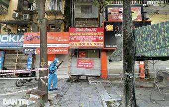 Hà Nội phun khử khuẩn ổ dịch Thanh Xuân Trung để đón 800 người trở về