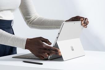 Surface Pro 8 - kẻ thách thức số 1 của iPad Pro