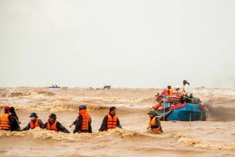 Nhà báo Việt Thanh: Nghẹt thở khoảnh khắc các tác giả dấn thân chụp ảnh...