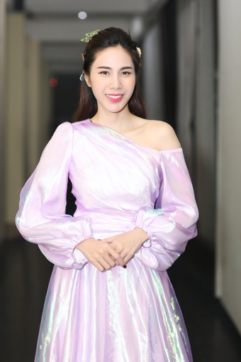 Ca sĩ Thủy Tiên, Hoa hậu H'Hen Niê xuất hiện đối thoại trong series về 'nữ quyền'