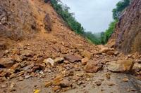 Miền Trung mưa lũ giảm dần, vùng núi đề phòng sạt lở đất