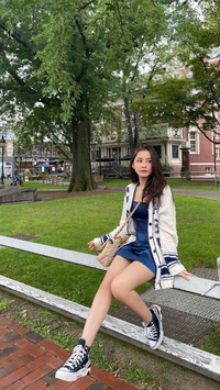 Chi Pu nối gót Hương Tràm đi Mỹ du học
