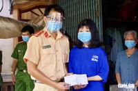 2 sinh viên nghèo ''nuôi ước mơ đến giảng đường'' đã nhận được 27 triệu đồng