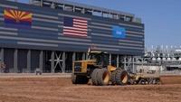 Intel động thổ nhà máy chip Arizona 20 tỉ USD để cạnh tranh với TSMC