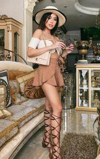 Em chồng Hà Tăng sành điệu với style chiến binh giống Kendall Jenner