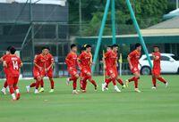 Bóng đá Việt Nam hôm nay: HLV Park Hang Seo theosát U22 Việt Nam. HAGL giữ chân Tuấn Linh
