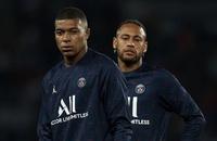 Mbappe bực tức với Neymar, Pochettino lên tiếng