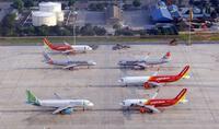 Mở bán vé nội địa, nhiều hãng bay bị tuýt còi