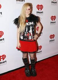 Hành trình thay đổi style của công chúa Pop-punk Avril Lavigne